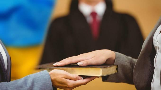 488cf1ff24124a5117cec2b624bdbc0e - Свидетель-адвокат: какие вопросы могут возникнуть при совмещении ролей в одном процессе